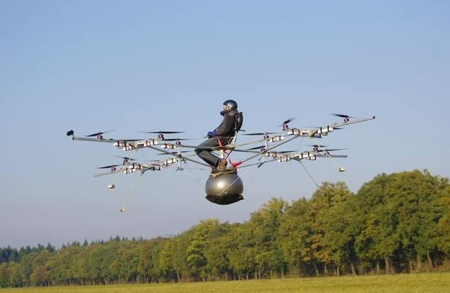 可以载人的多轴飞行器诞生 看你敢不敢坐上去!