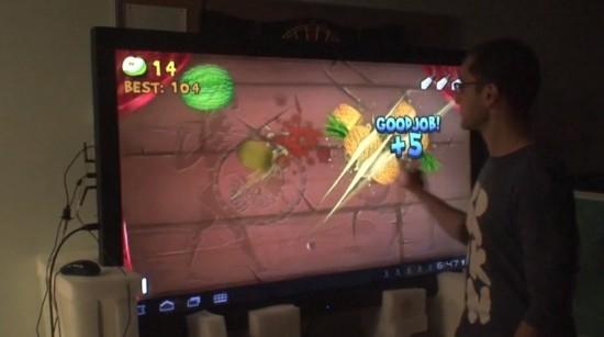 这样玩水果忍者爽不爽!世界最大65英寸触屏平板