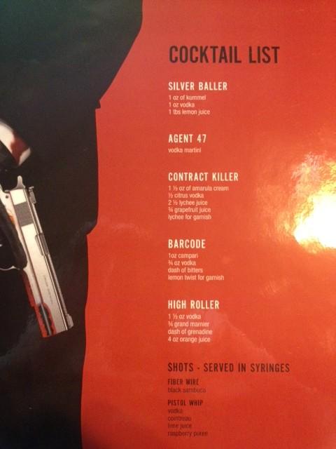 《杀手5:赦免》最新游戏截图 光头手持利斧砍人