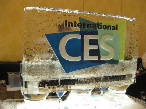 <b>颠覆传统让你难以想象 CES2012十大机箱大盘点</b>