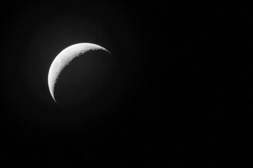 """3月26日夜:苍穹上演""""双星抱月""""美丽天象"""