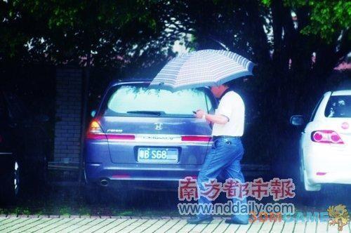深圳公务员醉驾免刑责 法院称开的不远判决免刑