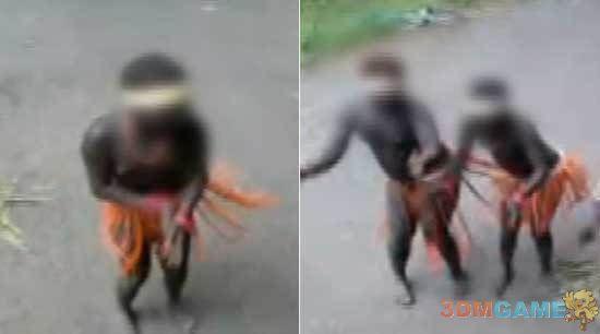 <b>印度女性被当作动物展览 裸身跳舞 旅客投掷饼干</b>
