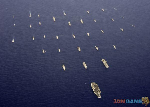 美航母海陆空编队驶入东海南海 或为震慑中国