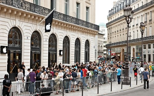 苹果巴黎商店新年前夜遭枪匪洗劫 损失130万美元