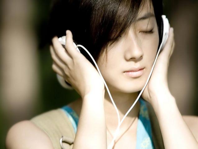 中学生迷恋耳机三年不离身 竟然患上神经性耳聋
