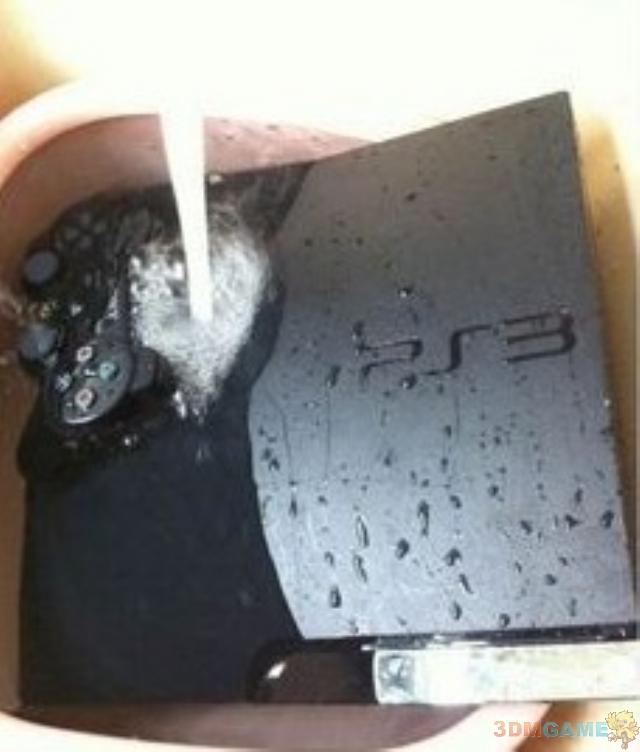 冷落女友惨遭恶毒报复 PS3泡水玩家欲哭无泪