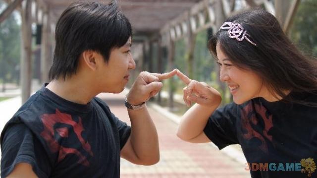 将浪漫进行到底 玩家制作纯金魔兽戒指求婚成功