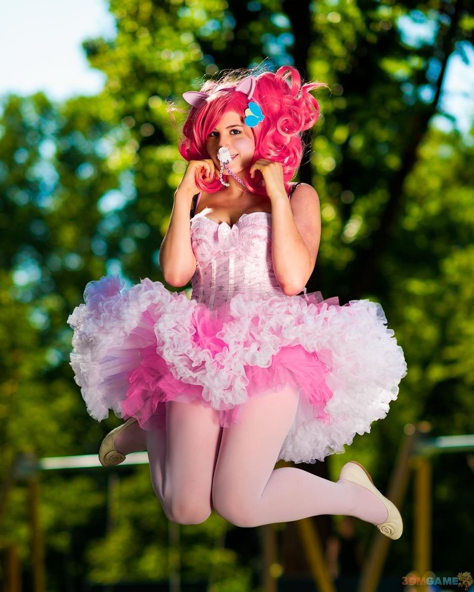 性感美女化身小马驹让你很想骑 彩虹小马cosplay