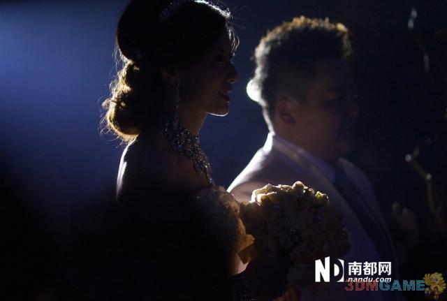 深圳女同冬冬和七七结婚 家长称多个女儿是幸福