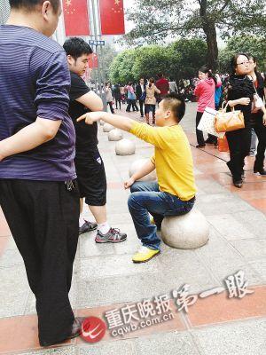 男子向母亲索钱买手机 遭拒后威胁要砸手机店