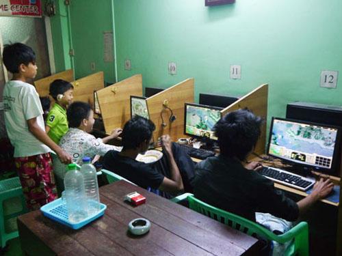 一览缅甸网吧的形态 在民居中隐匿恰似当年