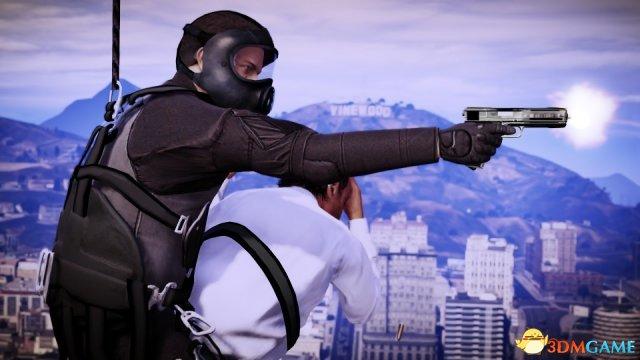 《侠盗猎车5》新细节 游戏里用爱疯能看小电影?