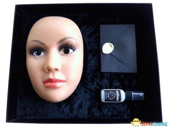 只要400美元!Uniface面具让你一秒钟变美女