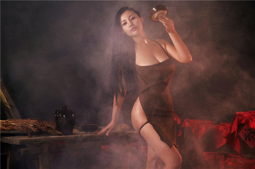 <b>业界良心真空出镜《红高粱》 苏梓玲演风骚酒娘</b>