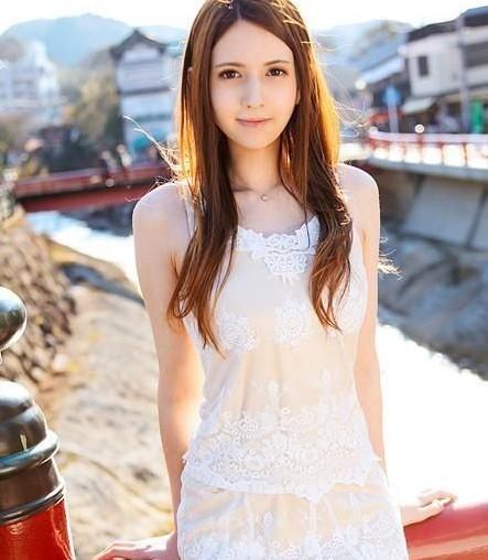 日本色情商业发达 众多美女为何争着当AV女优
