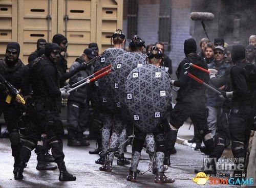 《忍者神龟》电影版首曝造型细节 反派铠甲裹身