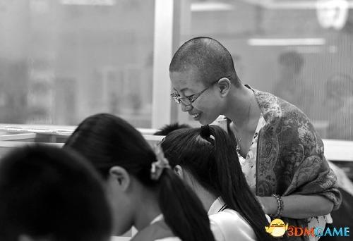 未解决学生厌学问题 温州女校长愿赌服输剃光头