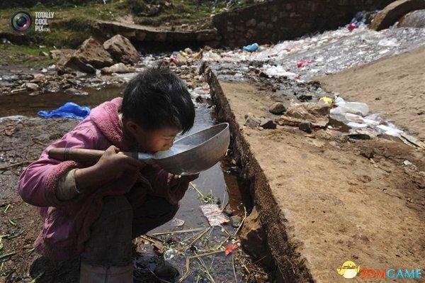 我国地表水竟含68种抗生素 这让人怎么喝水啊?