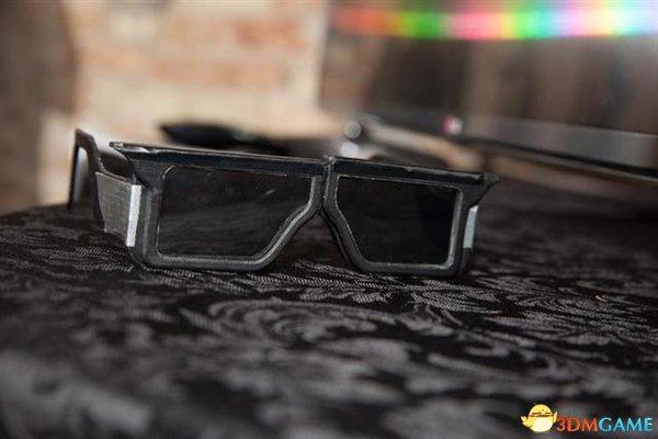 片子有码再也不用怕 智能眼镜让你看到隐藏画面