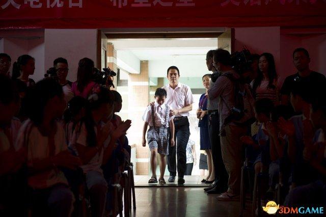 广西孤儿深圳获200万捐款后被亲戚跨省强带回家