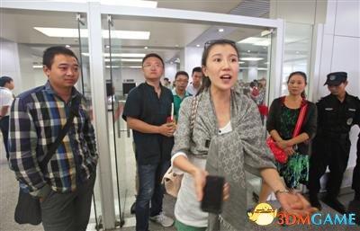 成都飞北京一航班多人抽烟 机长:我同意就能抽