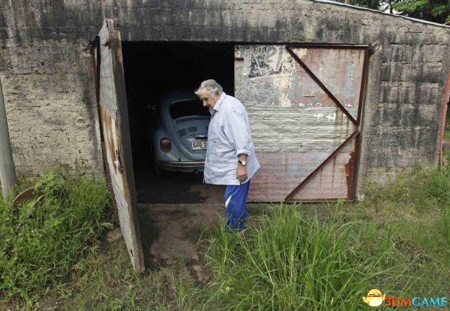 世界最穷总统穆希卡拒绝卖车致富 财产仅1800元