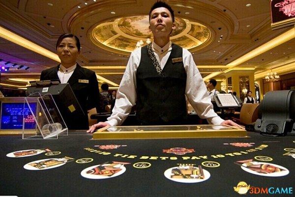 <b>女孩沉迷网络赌博偷父母105万 并且将其全部花光</b>