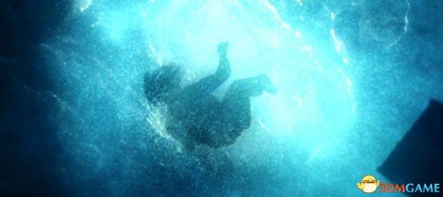 太虐心 《古墓丽影》劳拉扮演者教你如何扮演呛水