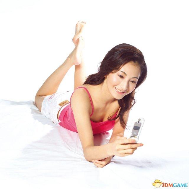 调查:中国人每天休闲2.55小时 1/3时间在玩手机