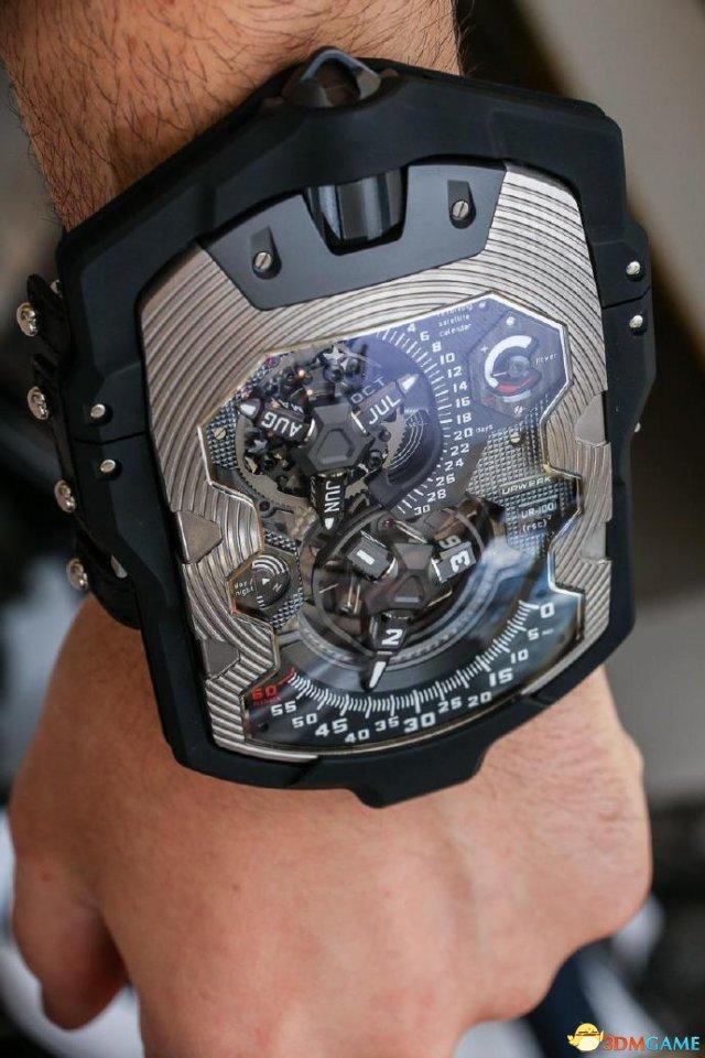 就是这么霸气:244万人民币的Urwerk UR-1001腕表
