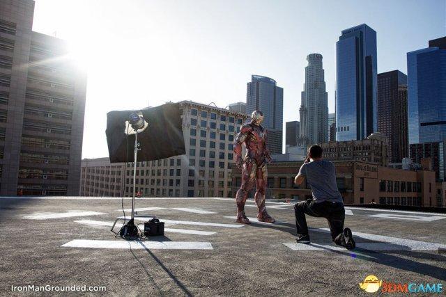<b>钢铁侠粉丝创意摄影图 钢铁侠成为凡人过得好凄惨</b>
