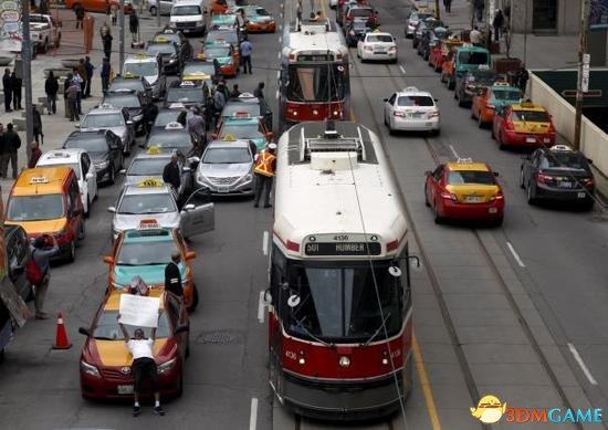 Uber全球范围遇阻:遭加拿大出租车司机集体抗议