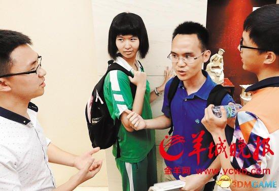 清华北大上门抢高分学生 尴尬握手:是兄弟院校