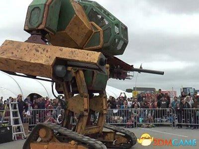 <b>美机器人挑战日本:其发明家称一年之内进行决斗!</b>