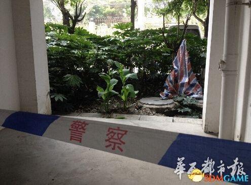 一女子赤裸裸被绑从12楼坠亡 事发房间曾住3男子