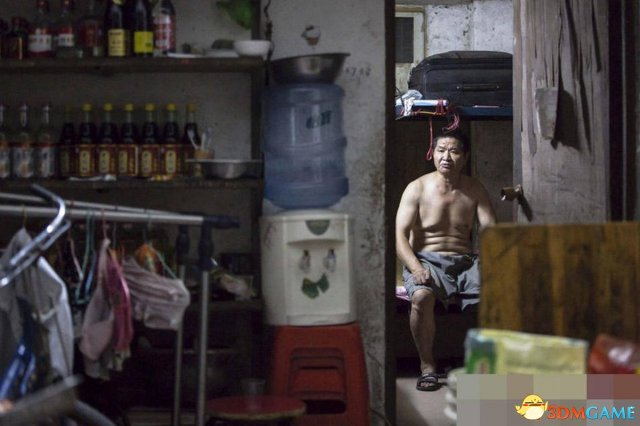湖南:16岁花季少女遭亲父多次猥亵 当街遭暴打