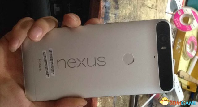 <b>直接凸出一条 华为版谷歌六儿子Nexus 6真机首曝</b>