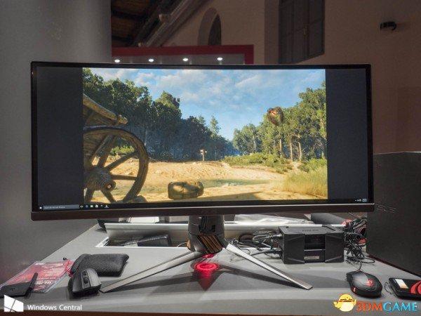 <b>华硕发布新款曲面显示器和游戏本 造型科幻好诱人</b>