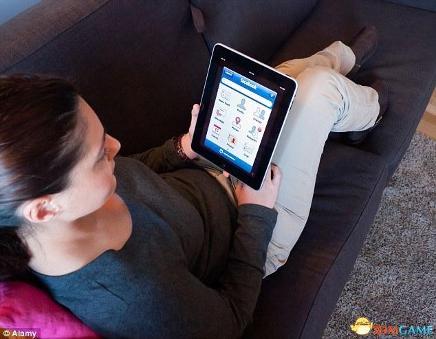 英国又出黑科技:不耗电的手机屏 每周只充一次电