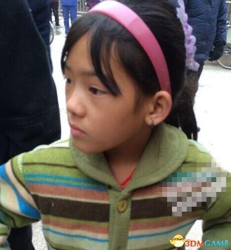 9岁女孩火场救出妹妹 沉着冷静拉出妹妹获得赞赏