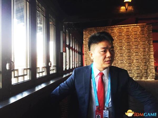 <b>刘强东:假货泛滥冲击实体经济 C2C模式违法成本低</b>