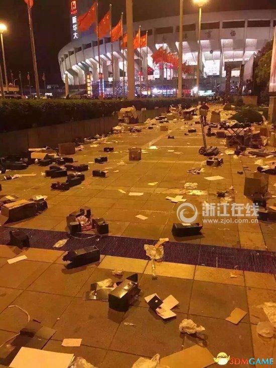 偶像团体Bigbang杭州开唱 结束后现场留10吨垃圾