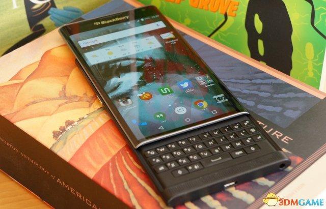 黑莓将推两款中端安卓手机 最低售价不到2000元