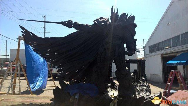 暴雪庆祝25周年 4米高巨型阿尔萨斯雕像降临台湾