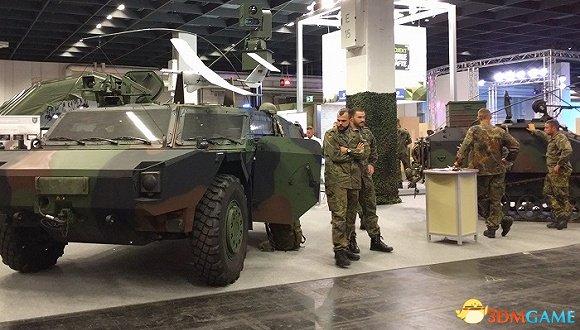 <b>科隆游戏展上的德国军队 跑这来征兵可真有创意</b>