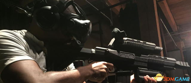 带上头盔!VR元+1年 更多VR周边 步枪马甲追踪器