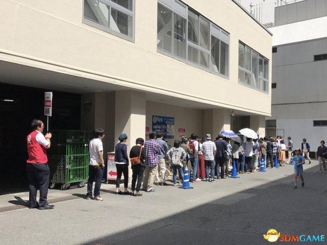 日本人们仍然需要排队摇号才能买到任天堂Switch