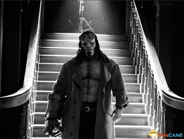 《地狱男爵》重拍版剧照 新版男爵更显凶悍狰狞
