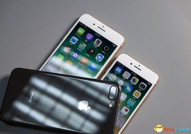 苹果三款新iPhone手机齐曝光!6英寸巨屏机在列